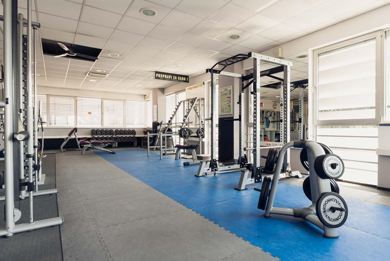 Kletke v fitnesu