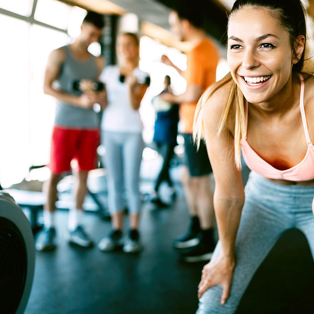 Ženski nasmeh na fitnesu